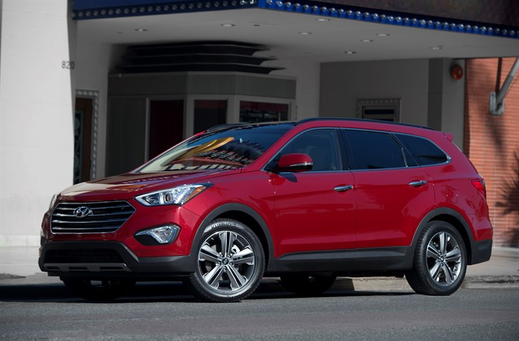 2015 Hyundai Santa Fe Offers New Standard Features